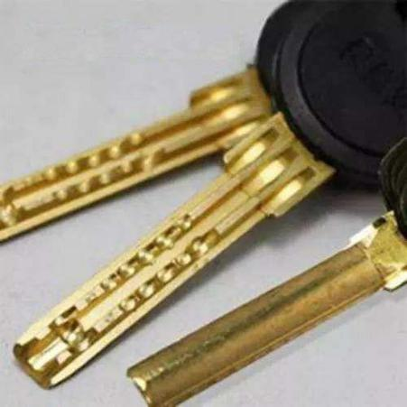 B level door lock cylinder
