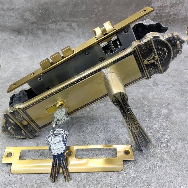 causte copper door lock